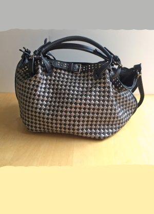Handtasche mit schwarz-silbernem Schachbrett-Muster