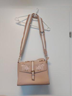 Handtasche mit Stickdetails