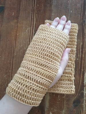 handgemacht Fingerless Gloves beige-camel