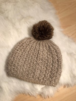 Hanna White Fur Hat cream