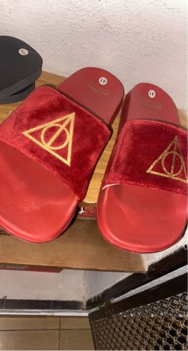 Harry Potter Scuffs red-gold-colored
