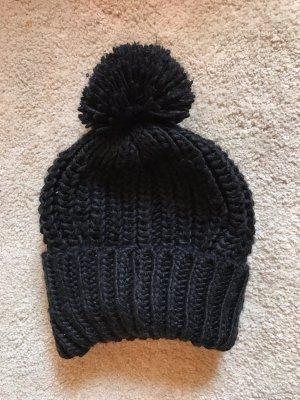 keine Bonnet en crochet noir