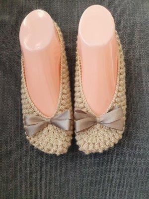 Pantofle kremowy-beżowy