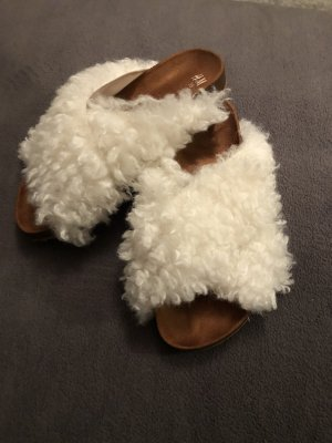 H&M Pantoufles brun-blanc cassé