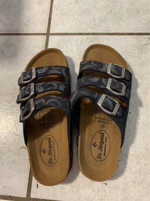 Hausschuhe/Sandalen/Schlappen