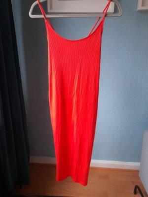 Hautenges Kleid in Koralle NEU