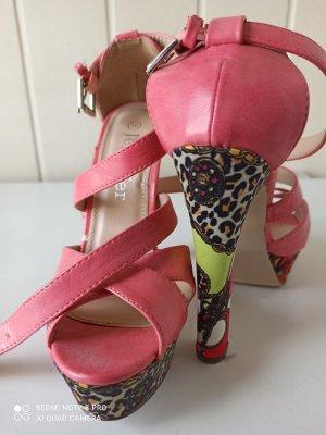 heels in 36