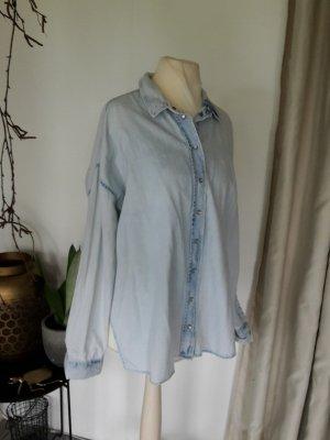 Heidi Klum Oversize Boyfriend Jeansbluse Jeanshemd seitliche Schlitze Longbluse Denim Bluse Hemd Acid Washed Bleached hellblau verwaschen