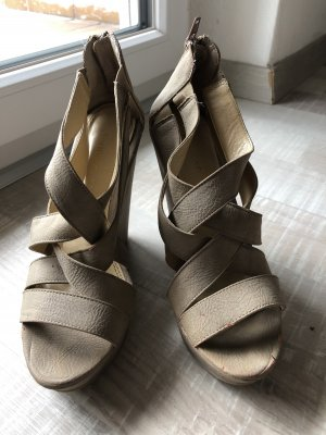 Chinese Laundry Wedge Pumps beige