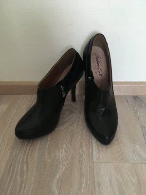 Andrea Conti Zipper Booties black leather