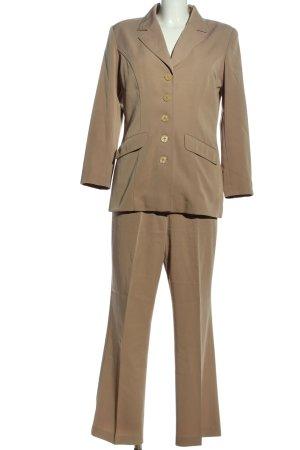 Helena Vera Traje de pantalón marrón estilo «business»