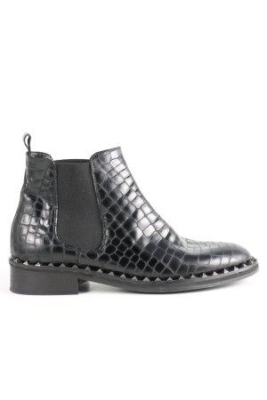 Helia Chelsea Boots