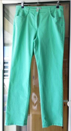 hell mintgrüne Jeans mit bequemem Oberschenkel und gerader Wade von Ascari, Modell Lena