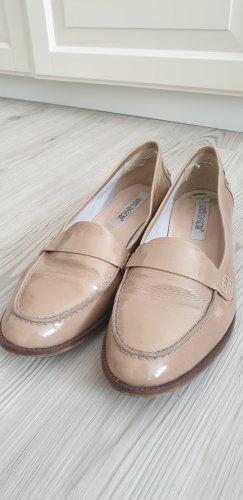 Hellbeige Lack-Loafers