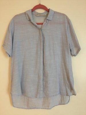 Hellblau-weiß gestreiftes Kragenhemd von Zara