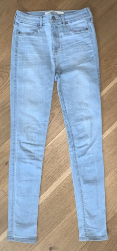Hellblaue Abercrombie and Fitch Jeans