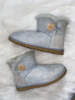 Hellblaue/ babyblaue UGG Boots