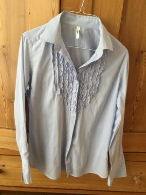 Hellblaue Bluse mit Details von Sophie