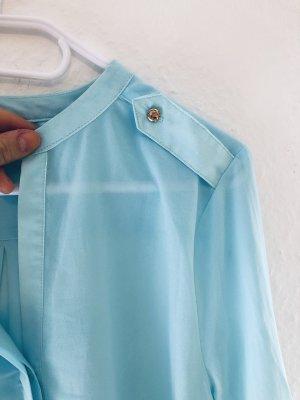 Hellblaue Bluse Perfekt für den Sommer