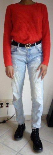 hellblaue Boyfriend Jeans im Destroyed Look mit ausgefransten Beinen