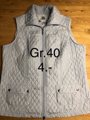 Quilted Gilet light blue