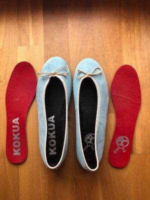 Hellblaue handgemachte  Ballerinas von Kokua