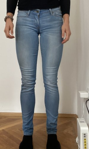 hellblaue Jeans, Levi's