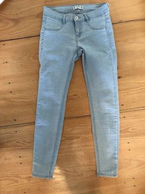 Hellblaue Jeans pull&bear 34 push up