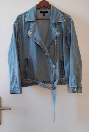 Hellblaue Jeansjacke im Bikerschnitt von Forever21