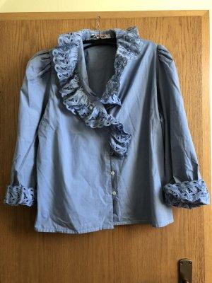 Hellblaue langärmelige Bluse