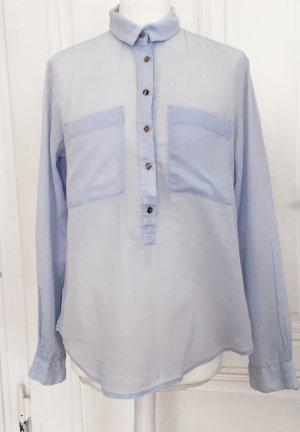 Hellblaue Langarmbluse mit braunen und leicht schimmernden Knöpfen 100 % Baumwolle von H&M L.O.G.G.