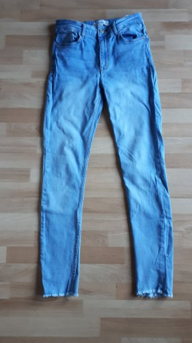 Hellblaue Mango Jeans Casual-Look