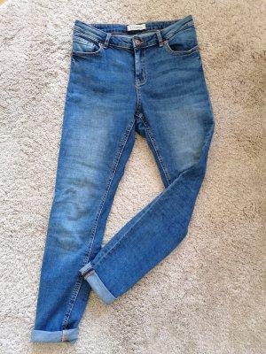 hellblaue Skinny Jeans