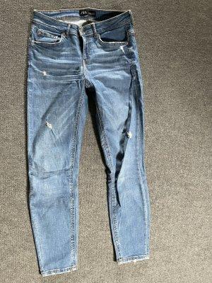 Hellblaue zara Jeans