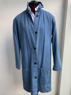 Hellblauer Jeansmantel