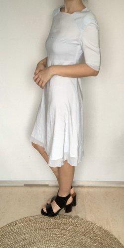Hellblaues Kleid von cos