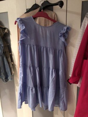 Hellblaues Sommerkleid Rüschen Volants