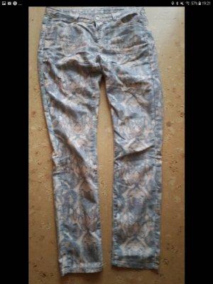 Hellbraune Jeans mit Schlangenprint