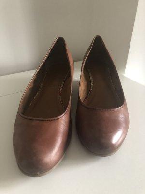 Tamaris Zapatos de cuña marrón