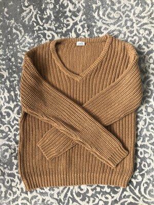 Hellbrauner kuschliger Pullover