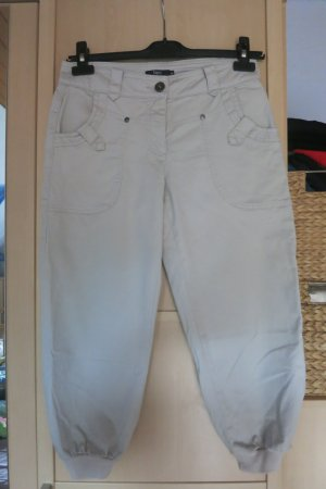 helle, bequeme 3/4 Hose