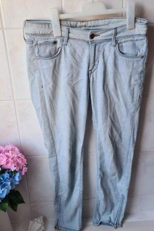 H&M Jeansy z prostymi nogawkami jasnoniebieski-jasnoniebieski