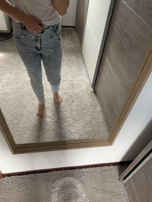 Helle Jeans in Größe S/M