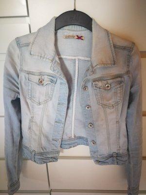 helle Jeansjacke in leichten washout look