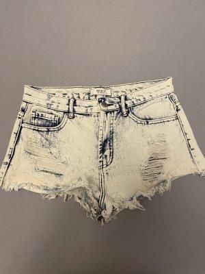 Helle kurze Jeans Hose