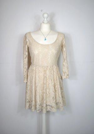 Helles / Cremefarbenes Spitzenkleid von Zara