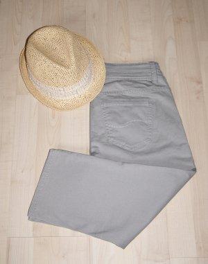 QS by s.Oliver Jeans a 3/4 grigio chiaro Cotone