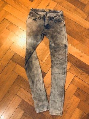 Hellgraue Jeans im Bikerlook von Chilli