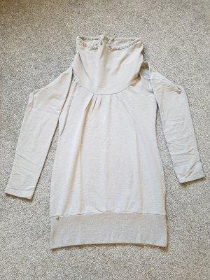 hellgrauer langer Pullover