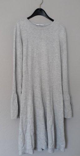 Hellgraues edles Pulloverkleid mit Trompetenärmel von edc Esprit (XS, 1x getragen)